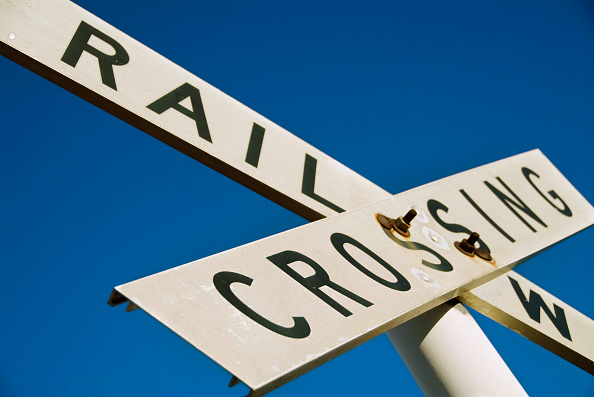 Single Object「Railway crossing sign in outback Australia」:写真・画像(11)[壁紙.com]