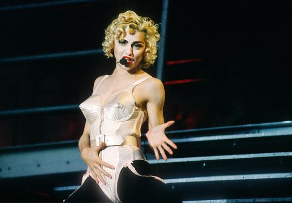 Blond Hair「Madonna」:写真・画像(2)[壁紙.com]