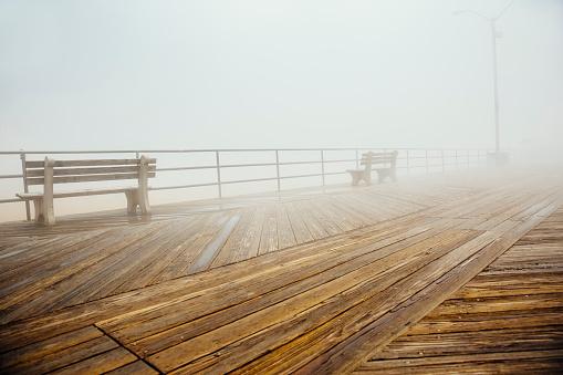 New Jersey「Fog over benches on wooden boardwalk」:スマホ壁紙(9)