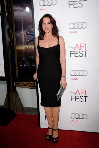 "Sleeveless Dress「AFI FEST 2010 Presented By Audi - ""Black Swan"" Closing Night Gala - Arrivals」:写真・画像(16)[壁紙.com]"