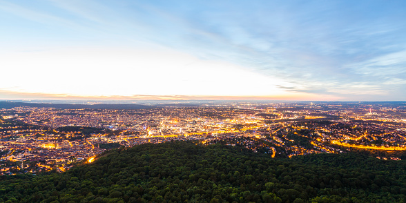Twilight「Germany, panoramic view of lighted Stuttgart at twilight」:スマホ壁紙(13)