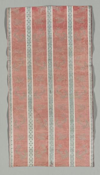Ornamental Garden「Length Of Textile With Classical Ruin In A Landscape Design」:写真・画像(9)[壁紙.com]