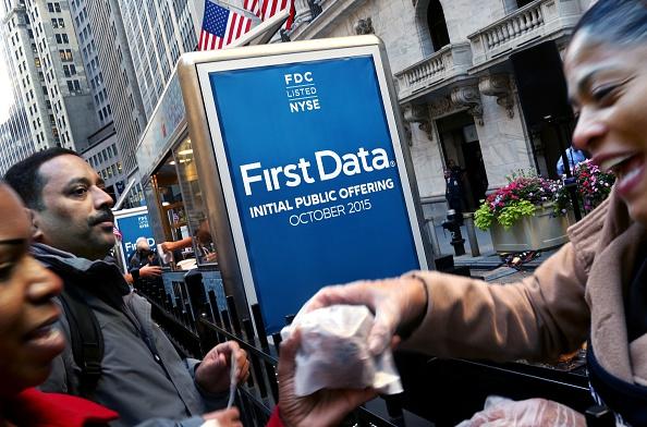 オーストラリアモーターサイクルグランプリ「First Data Corp CEO Rings NYSE Opening Bell To Mark IPO」:写真・画像(10)[壁紙.com]
