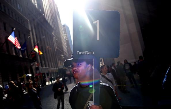 オーストラリアモーターサイクルグランプリ「First Data Corp CEO Rings NYSE Opening Bell To Mark IPO」:写真・画像(11)[壁紙.com]