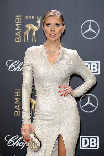 Thigh High Slit「Red Carpet Arrivals - Bambi Awards 2018」:写真・画像(17)[壁紙.com]