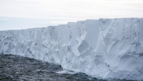 Iceberg - Ice Formation「Glacier」:写真・画像(3)[壁紙.com]