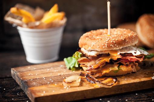 Grilled「Fresh tasty burger」:スマホ壁紙(7)