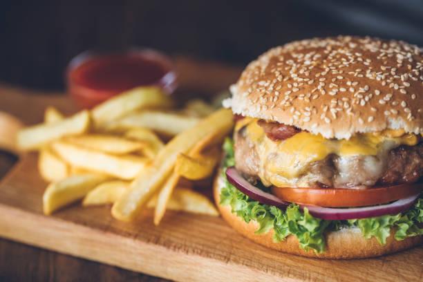 Fresh tasty burger:スマホ壁紙(壁紙.com)