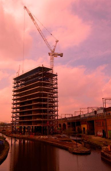 Clear Sky「Property development near a canal, Manchester」:写真・画像(15)[壁紙.com]