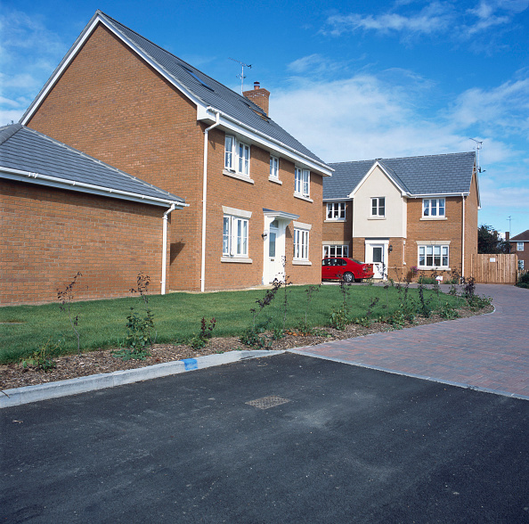 Planting「Property development. A large number of new houses are built all over the UK.」:写真・画像(2)[壁紙.com]