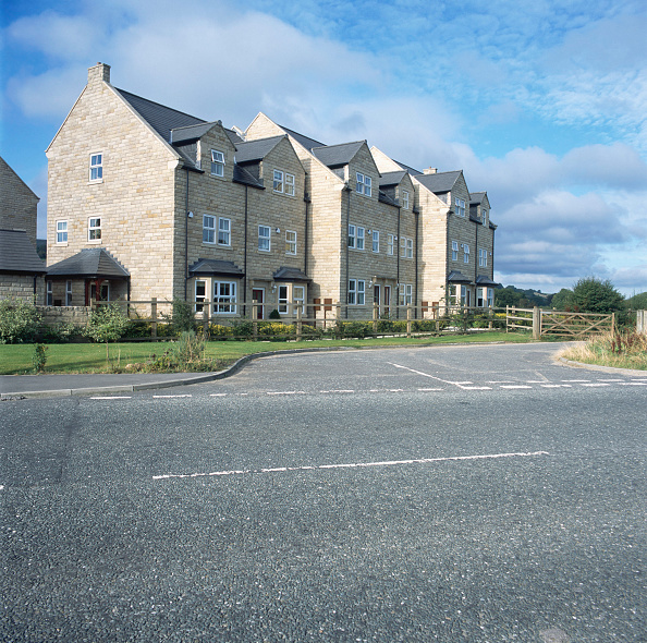 New「Property development. A large number of new houses are built all over the UK.」:写真・画像(2)[壁紙.com]