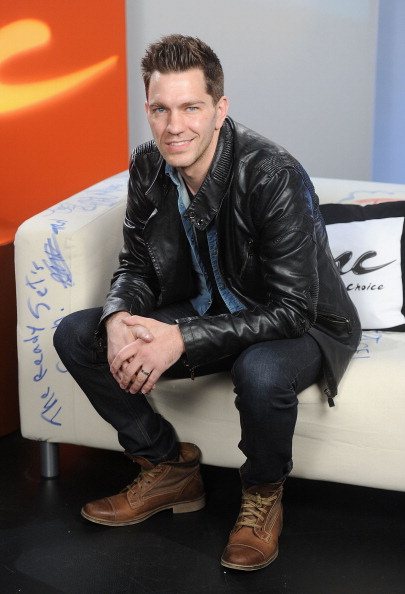 "Fully Unbuttoned「Andy Grammer Visits Music Choice's ""U&A""」:写真・画像(5)[壁紙.com]"