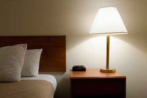 Desk Lamp「Inside a low cost hotel」:スマホ壁紙(6)