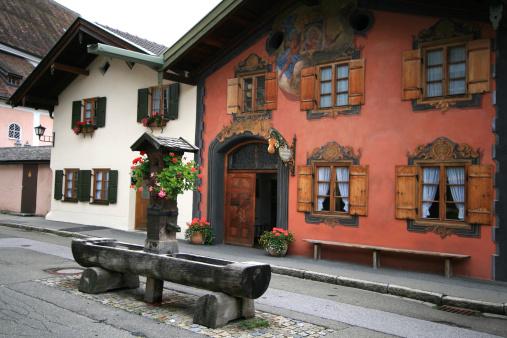 Drinking Fountain「Oberammergau in Bavaria, Germany - Trompe L'oeil」:スマホ壁紙(17)