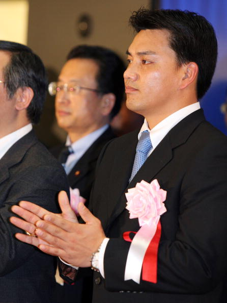 Tadahito Iguchi「Tadahito Iguchi of the Chicago White Sox attends the closing session of the year 2006」:写真・画像(1)[壁紙.com]