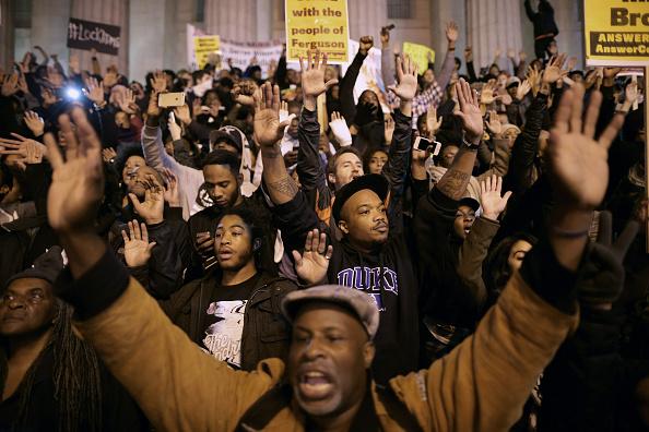 Ferguson - Missouri「Protests Continue In DC One Day After Ferguson Grand Jury Decision」:写真・画像(2)[壁紙.com]