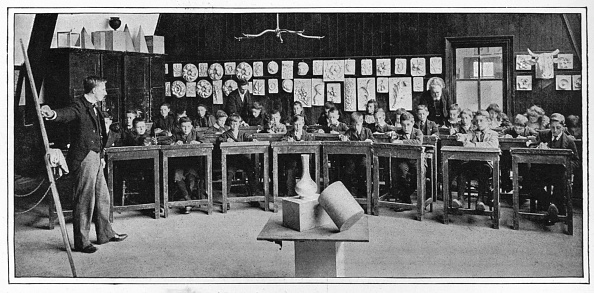 1900-1909「Model drawing at a Higher Grade school, London, c1900 (1901)」:写真・画像(3)[壁紙.com]