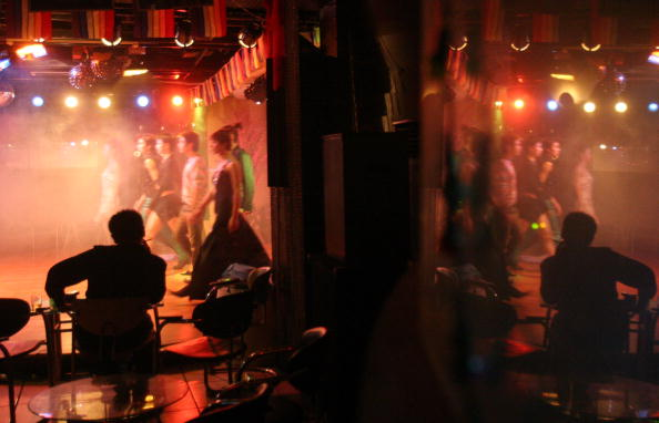 Homosexual「Drag Queens Performer At Bar In Chengdu」:写真・画像(17)[壁紙.com]