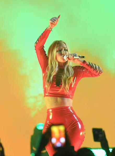 イギー・アゼリア「Univision's 'Premios Juventud' 2017 Celebrates The Hottest Musical Artists And Young Latinos Change-Makers - Show」:写真・画像(5)[壁紙.com]