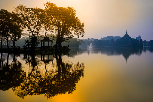 Spirituality「Yangon Myanmar」:スマホ壁紙(3)