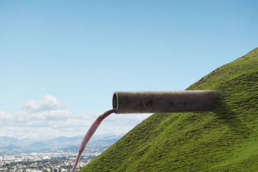 newoutdoors「Pipe Emerging from Hillside」:スマホ壁紙(14)