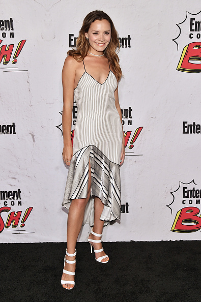 High Low Dress「Entertainment Weekly Hosts Its Annual Comic-Con Party At FLOAT At The Hard Rock Hotel In San Diego In Celebration Of Comic-Con 2017 - Arrivals」:写真・画像(15)[壁紙.com]