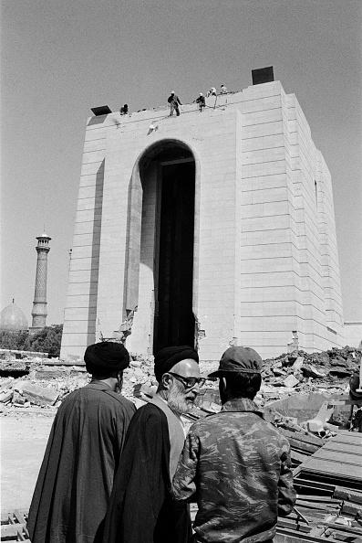 Shi'ite Islam「Destruction of Reza Shah Pahlavi's Mausoleum」:写真・画像(7)[壁紙.com]