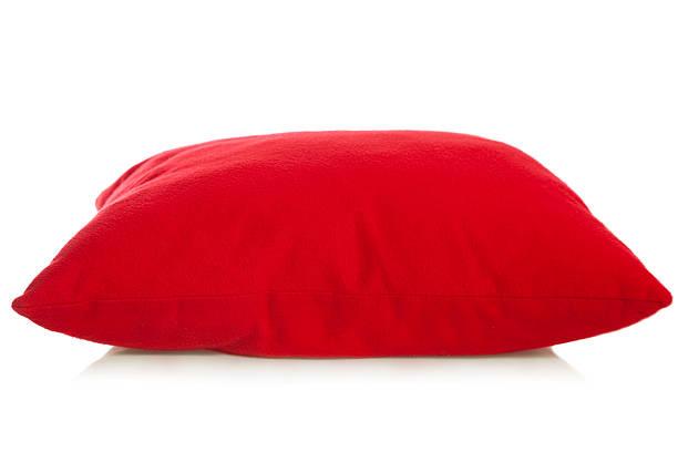 Red pillow:スマホ壁紙(壁紙.com)