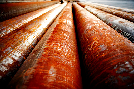 Tube「Rusted Industrial Metal Pipes, Close Up」:スマホ壁紙(13)