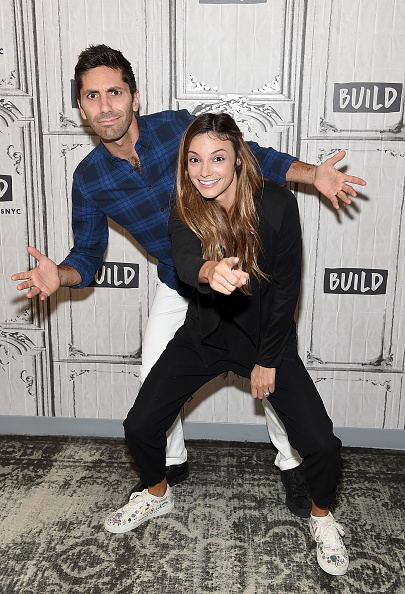 熱帯魚「Build Presents Nev Schulman And Laura Perlongo Discussing 'We Need To Talk' And 'Catfish'」:写真・画像(6)[壁紙.com]