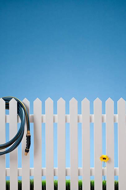 White Picket Fence & Hose With Single Flower:スマホ壁紙(壁紙.com)