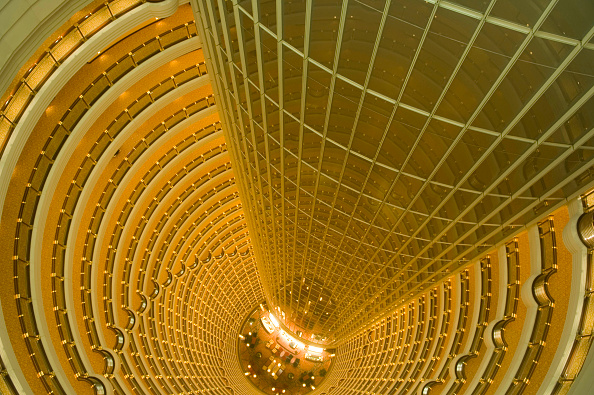 East Asia「Jin Mao Building. View looking down into the atrium of the Grand Hyatt Shanghai Hotel. The hotel is inside the 88-story Jin Mao Tower in Pudong's New Economic Zone. Shanghai, China」:写真・画像(12)[壁紙.com]