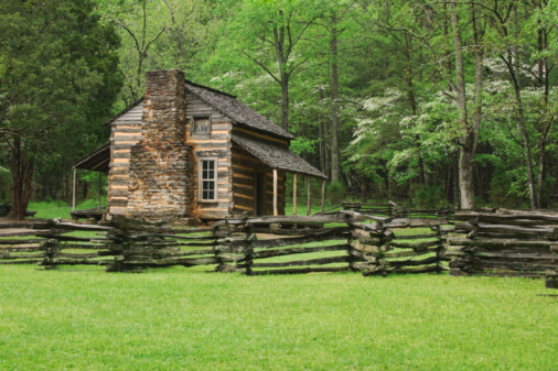 Gatlinburg「A fence and cabin in Smoky Mountain National Park」:スマホ壁紙(17)