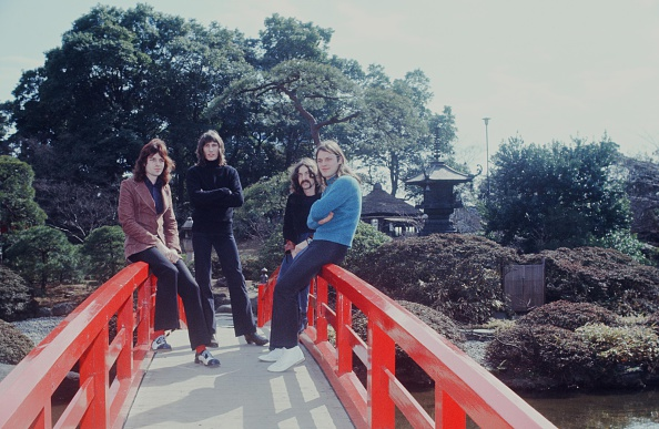 1970-1979「Pink Floyd At A Photo Session In The Japanese Garden」:写真・画像(16)[壁紙.com]