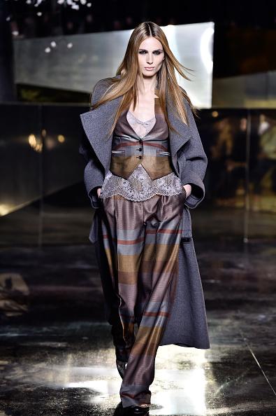 男性用ベスト「H&M : Runway - Paris Fashion Week Womenswear Fall/Winter 2016/2017」:写真・画像(12)[壁紙.com]
