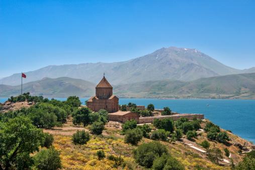 Akdamar Island「The Armenian Cathedral in Akdamar Island, Van」:スマホ壁紙(2)