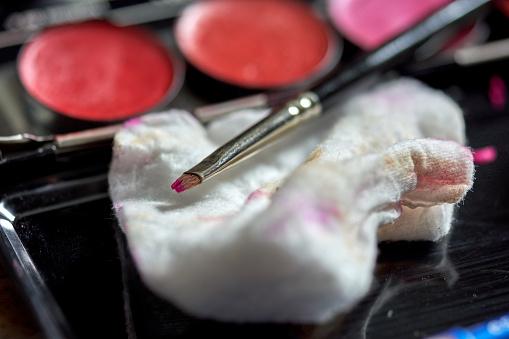Real Life「A messy close-up of a make-up brush」:スマホ壁紙(9)
