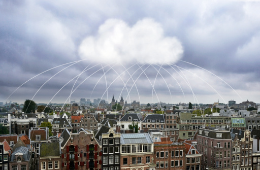 Amsterdam「Cloud computing connecting buildings in a city」:スマホ壁紙(6)