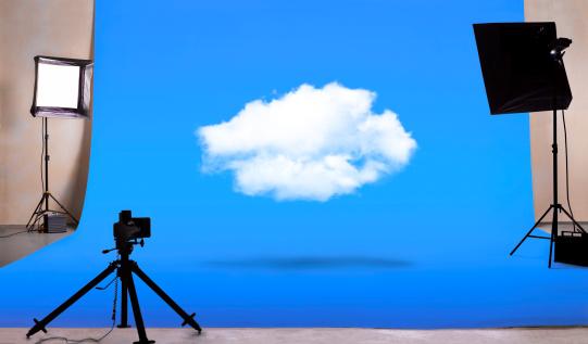 Blue Background「Cloud computing in photography studio」:スマホ壁紙(14)