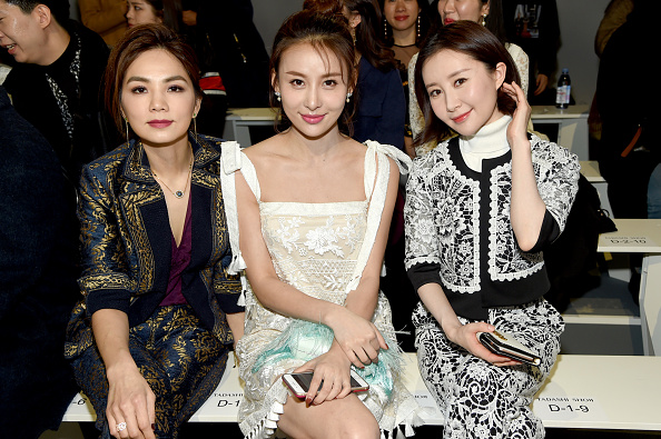 ニューヨークファッションウィーク「Tadashi Shoji - Front Row - February 2018 - New York Fashion Week: The Shows」:写真・画像(7)[壁紙.com]