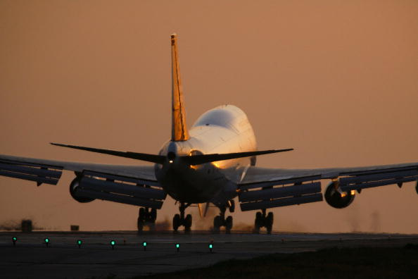 LAX Airport「U.S. Airline Industry Struggles Through Turbulent Times」:写真・画像(13)[壁紙.com]