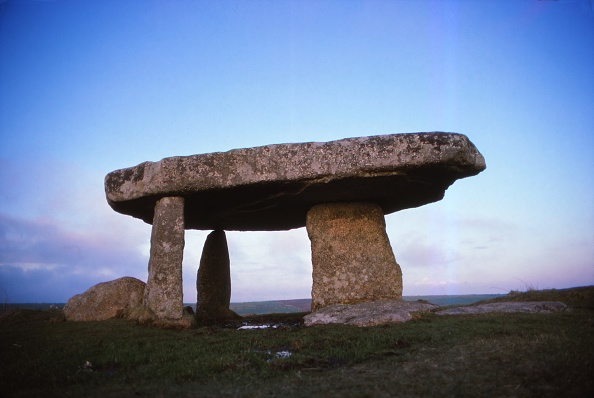 Mausoleum「Lanyon Quoit」:写真・画像(10)[壁紙.com]