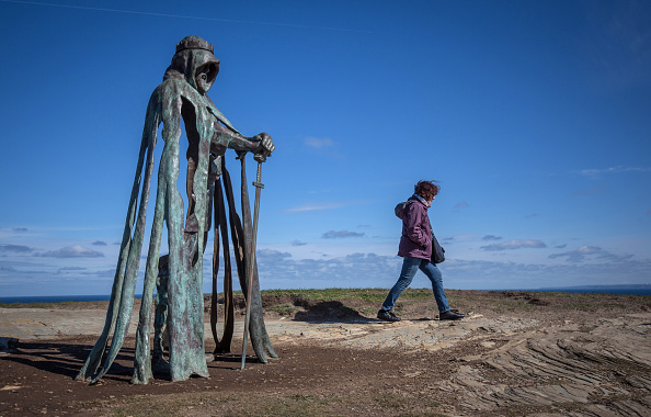 New「New Sculpture Revealed On The Historic Site At Tintagel」:写真・画像(15)[壁紙.com]