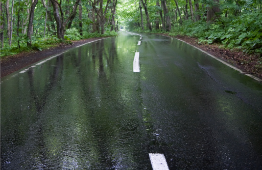 Dividing Line - Road Marking「Rainy Road」:スマホ壁紙(10)