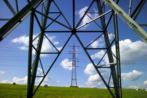 Electricity Pylon「Pylons in meadow」:スマホ壁紙(19)