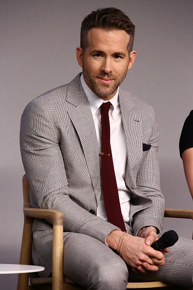 1人「Apple Store Soho Presents Meet The Actor: Ryan Reynolds, Morena Baccarin, TJ Miller, and Ed Skrein, 'Deadpool'」:写真・画像(15)[壁紙.com]
