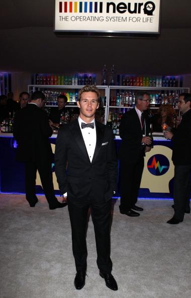 Joe Scarnici「Neuro Drinks At 20th Annual Elton John AIDS Foundation Academy Awards Viewing Party」:写真・画像(4)[壁紙.com]