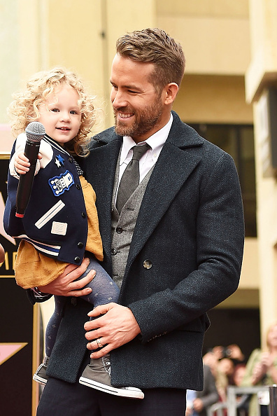 Family「Ryan Reynolds Honored With Star On The Hollywood Walk Of Fame」:写真・画像(5)[壁紙.com]