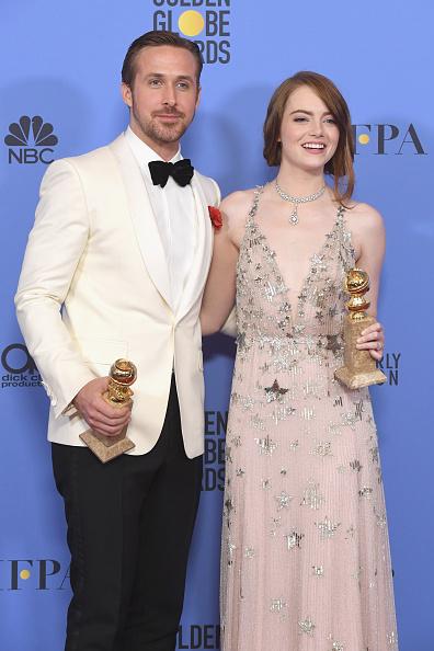 Golden Globe Statue「74th Annual Golden Globe Awards - Press Room」:写真・画像(12)[壁紙.com]