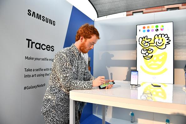 Bryan Bedder「After Unpacked Samsung 837 Celebration」:写真・画像(1)[壁紙.com]
